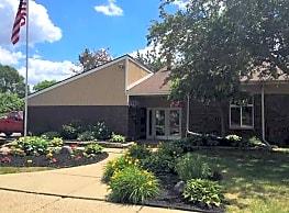 Shelby Oaks - Shelby Township