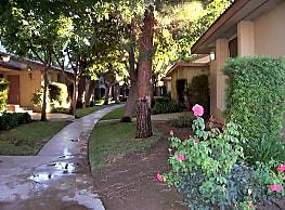 Palm Gates - Fresno