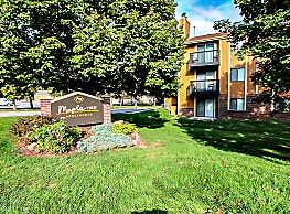 Maple View Apartment Homes - Omaha