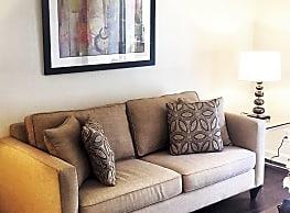 Warner Pines Apartments - Woodland Hills