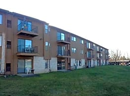 Pine Aire Apartments - Southfield