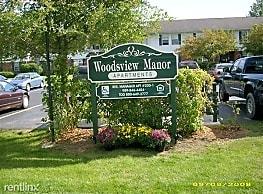 Woodsview Manor Apartments - Standish