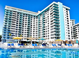 Seacoast Suites - Miami Beach