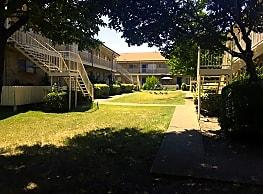Woodgate Apartments - Garland