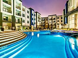 Maple District Lofts - Dallas