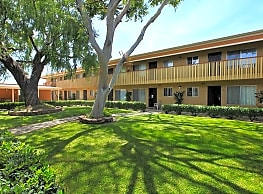 Village Green Apartments - El Cajon