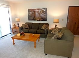 Colonial Village Apartments - Crescent Springs