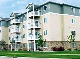Dakota Drive Apartments - Fargo