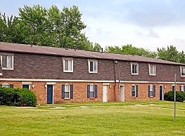 Astoria Apartments & Townhomes - Fort Wayne