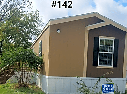 3 bedroom, 2 bath home available - Kirby
