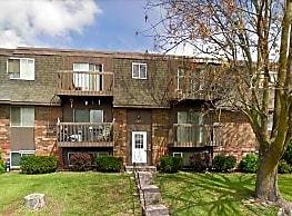 Crestwood Apartments - Davenport