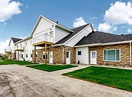 Village Green Apartments & Townhomes - Moorhead