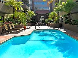 Savoy West - Hollywood