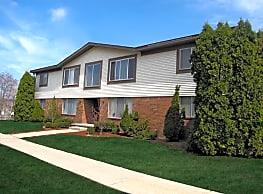 Town & Country Apartments - Wixom