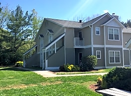 Spring Meadow Apartments - Knoxville