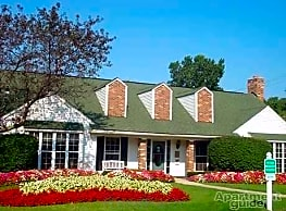 Whethersfield Apartments - Bloomfield Hills