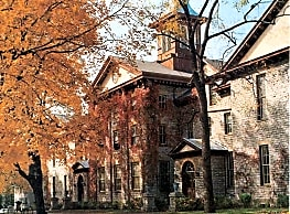 Rountree Hall Apartments - Platteville