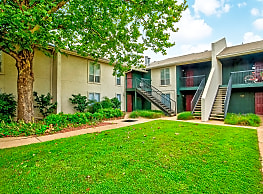 Brookhollow Apartments - Norman