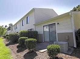 Pinewood Apartments - Wilmington