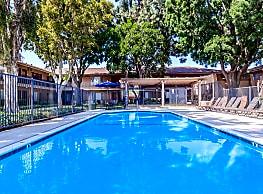 La Ramada Apartment Homes - Fullerton