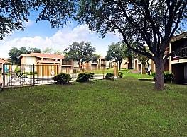 Plaza Square Apartments - San Angelo