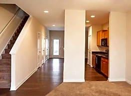 Redwood Apartments - Bloomington