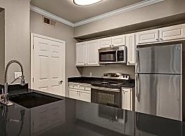 Broadleaf Apartments - Sacramento