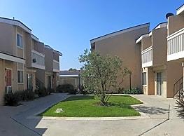 Briar Court - Anaheim