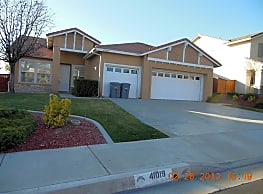 Beautiful 1-story home with recent renovations - Temecula