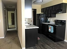 Willow Creek Apartments - Omaha