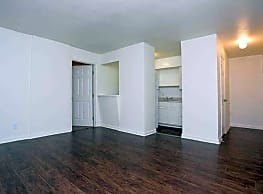 San Juan Apartments - Dallas