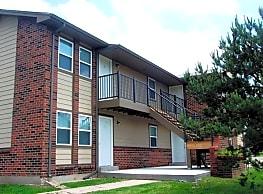Pine Creek Apartments - Wichita