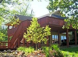Gray's Lake Apartments - Des Moines