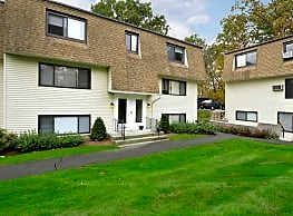 Ramblewood Apartments - Naugatuck