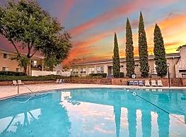 Townsend Apartments - Jacksonville