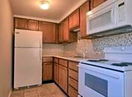 2 br, 1 bath Apartment - 457 E Vandalia 457 E Vand - Edwardsville