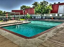 Garden Park Apartments - Greenville