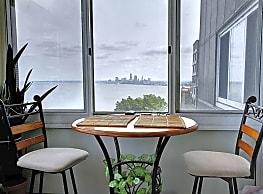 Marine Towers West - Lakewood