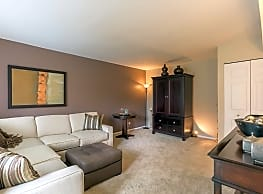 Brook Hill Apartments and Townhomes - Westmont