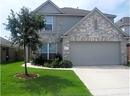 This 5 bedroom 2.5 bath home has 2695 square feet - Humble