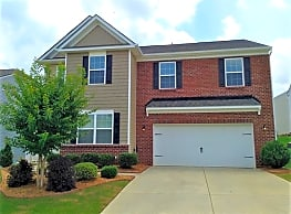 This 4 bedroom, 2.5 bath home has 2602 square feet - Pineville