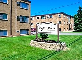 English Manor Apartments - Maplewood