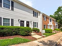 Williamsburg Manor Apartments - Cary