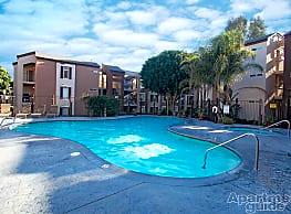 River Run Village - San Diego