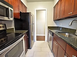 Shaker Square Apartments - Shaker Heights