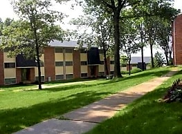 York Hills Apartments - York