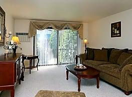 Village Green Apartments - Baldwinsville