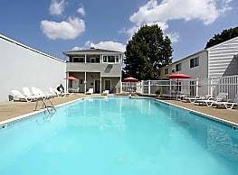 Shorewood Apartments - Providence