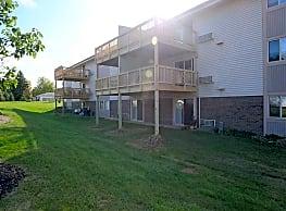 Royalwood Apartments - Cleveland