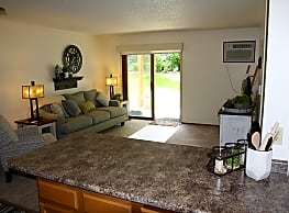 Sun Prairie Apartments - West Des Moines